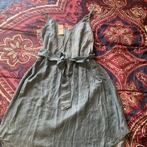 Anthropologie Cloth & Stone Belted Chambray Dress